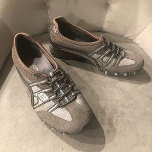 Sketchers Silver/grey sneakers